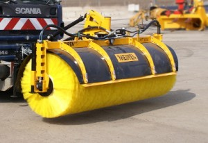 N-series rotary broom HT with sideshift
