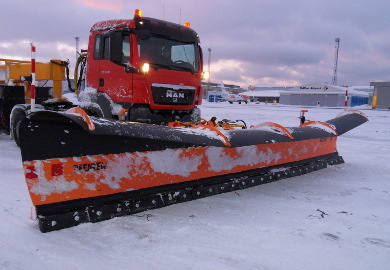 Airport snow plow LES 8603 is the biggest heavy duty unit in the Meiren Snow's snow removal equipment collection.