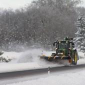 Maantee lumesahk MPS03 traktorile