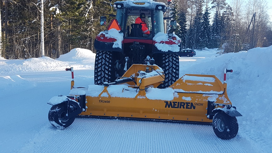 TRN3400 snow plough with support wheels