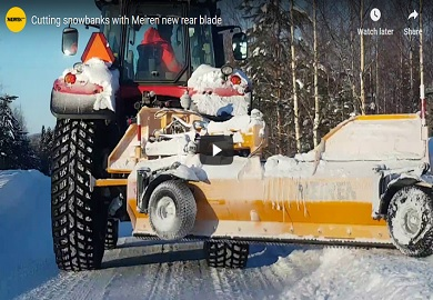 Cutting snowbanks with rear blade TRN with sideshift solution